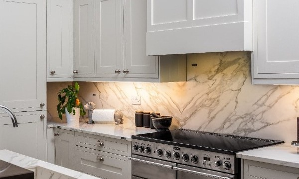 PAINTING YOUR KITCHEN CUPBOARDS